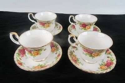Old Country Roses Royal Albert Footed Tea cup and Saucer set (4)