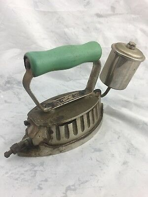 VINTAGE *ROYAL SELF-HEATING IRON Co. SHELLITE MODEL 25 Automatic. Ohio U.S.A.