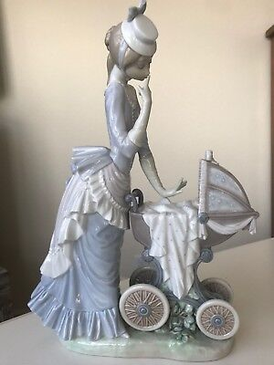 Vtg Lladro Mint 4938 Baby's Outing Figurine Lady With Carriage El Paseo De Bebee