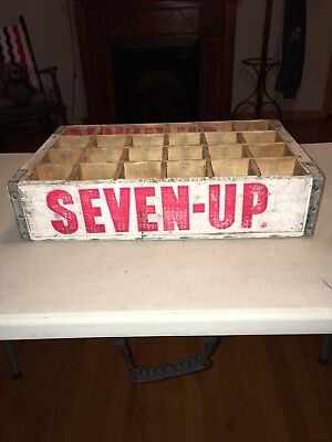 Vintage 7-Up Wood Soda Pop Bottle Crate (1975 Temple Chattanooga)
