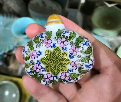 chinese old Jingdezhen Porcelain Hnad Painting flower Snuff Bottle ornament