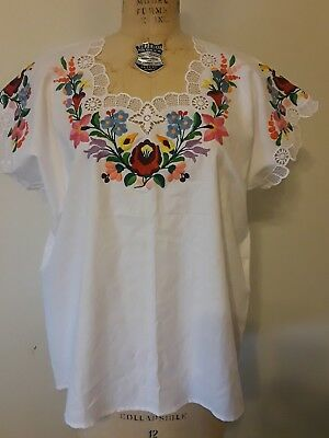 Vintage Hungarian Hand Embroidered Womans White Top