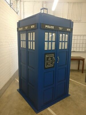 Dr Who, TARDIS Police Box - FULL SIZE