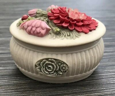 Vintage Beautiful Trinket Pill Box Oval Shaped By Handcast Pink & Red Flowers