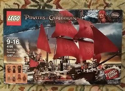 poc022 NEW LEGO Quartermaster Zombie FROM SET 4195 PIRATES OF THE CARIBBEAN