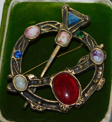 Vintage Celtic Penannular design Glass Agate Gold tone Brooch Pin 2h 35