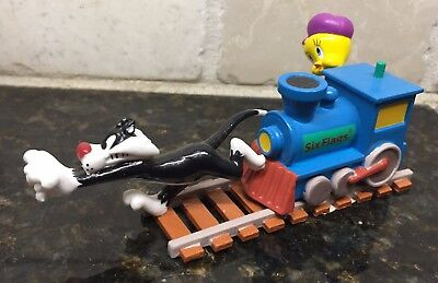 RARE Tweety Sylvester on Train Six Flags  FIGURINE PVC LOONEY TUNES Warner Bros
