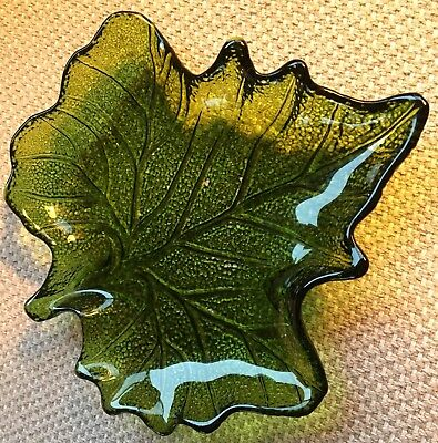 """GORGEOUS OLIVE GREEN GLASS """"LEAF"""" SHAPED CANDY / NUT DISH BOWL POTPOURRI ETC Too"""