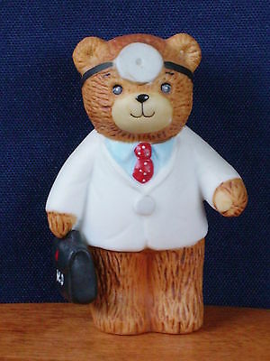 Enesco ~ Lucy & Me Doctor Bear ~  Awesome Collectible Figurine