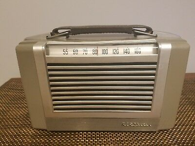 Vintage RCA Victor tube radio model 2bx63- untested for parts or repair