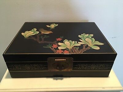 Vintage Chinese Handpainted Lacquer Jewelry Box Beautiful Condition