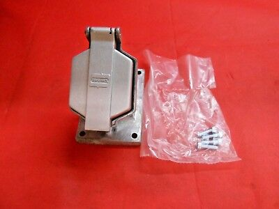 Crouse Hinds Enr5201 Delayed Action Circuit Breaking Receptacle - New