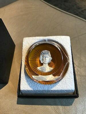 A Boxed Baccarat Queen Elizabeth 1977 Paperweight