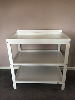 baby changing table / unit - White