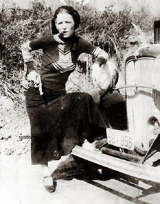 "American Gangsters Bonnie Parker of Bonnie and Clyde 1933 8""x 10"" Photo 68"