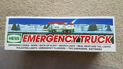 1996 Hess Emergency Truck - with Hess Bag