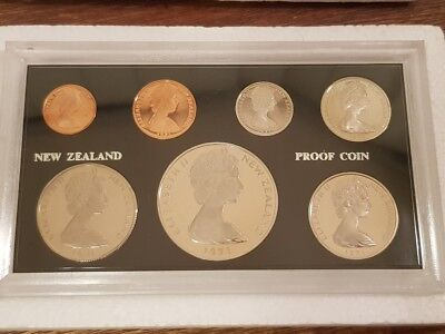 NEW ZEALAND - 1971 - PROOF COIN SET - Still in original foams