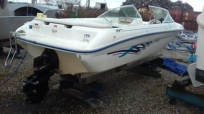 Speed Boat Sea Ray 175 With 3.0 Litre Inboard Petrol Engine.1999 Year