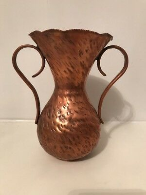 ARTS AND CRAFTS PERIOD HAMMERED 7'' COPPER Double Handled VASE