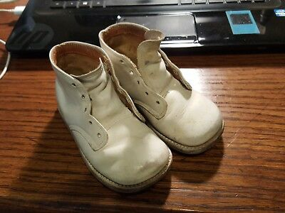USED Vintage White Leather Baby Shoes