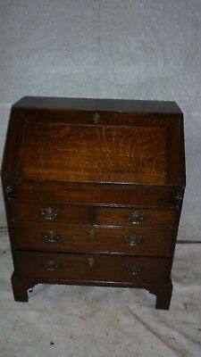 ANTIQUE OAK BUREAU / DESK. Early 20thC