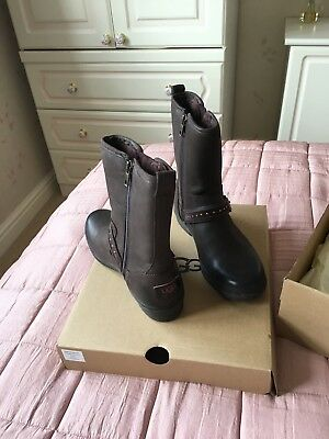 e420a5cce0f LADIES UGG BOOTS size 5 UKBrand New In Box never been worn Dark brown  leather