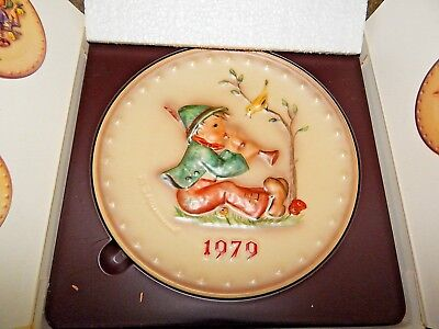 GOEBEL M. J. HUMMEL 1979 Plate of the Year Germany HUM 272 Vintage Collection