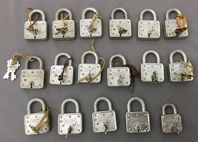 """Lot of 17 Vintage Master Locks 55 & 1 44 All with keys """"working"""""""
