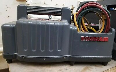 Robinair 25200A Refigerant Recovery Unit Great Condition May 1997 with hoses