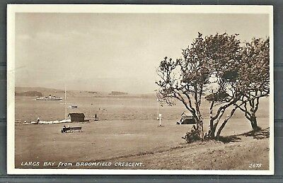 Postcard : Largs Ayrshire Steamer in Firth of Clyde seen from Broomfield Cres RP