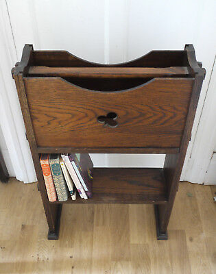 Compact portable oak bookshelf unit. Vintage Arts and Crafts church book caddy.