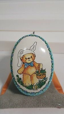 1982 Lucy & Me Enesco Tin Easter Designs Egg Shaped Made in Hong Kong
