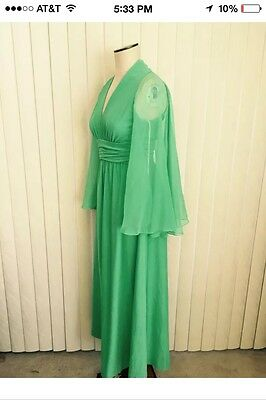 Beautiful Vintage 1960's Retro Green Sleeveless W/ Sheer Cape Evening Gown
