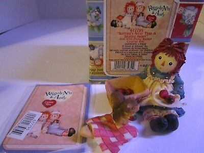 Raggedy Ann & Andy Picnic ~ Nothing Nicer Than a Sharing Heart ~ #677795 Enesco