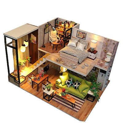 Mini Dollhouse Wooden DIY Model Villa europea con lampada a LED giocattolo