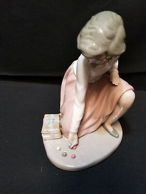 """Lladro Nao Girl Champ Playing Marbles 6 1/2"""" Tall Base Is 5"""" 1982"""