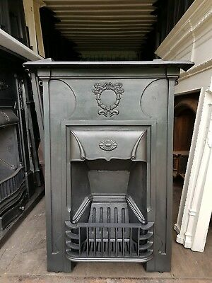 """Lovely Victorian/Edwardian Cast Iron Fireplace. Circa 1890-1910   """"CAN-DELIVER"""""""