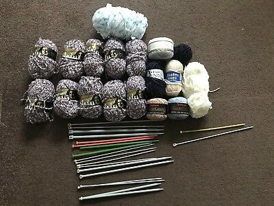 Knitting Bundle With Wool & Needles