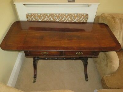 Beautiful Antique Extendable Occasional Decorative Table