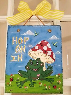 Frog garden welcome sign hand painted slate home decor/wall decor/summer/spring