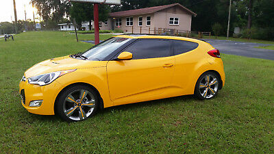 2012 Hyundai Veloster Style & Tech options cars and trucks