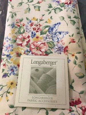 Longaberger Set of 2 Fabric Napkins in the Spring Floral Pattern