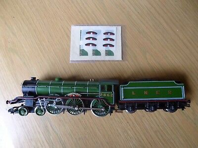 "Hornby OO Gauge LNER B17 Class ""Manchester United"" 4-6-0 Inc Name plate sheet"