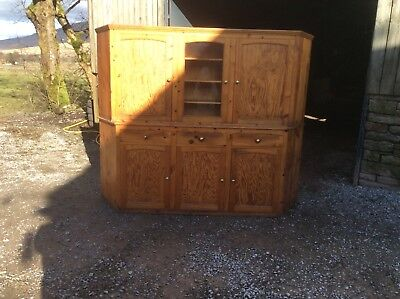 Pine press cupboard  in great used condition