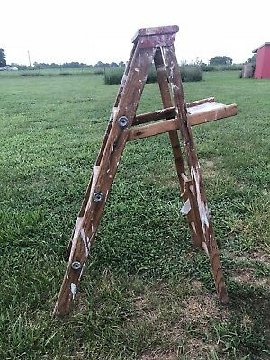 VTG ANTIQUE PAINTER'S WOOD STEP LADDER FOLDING 4 FOOT TOOL —-price reduced—-