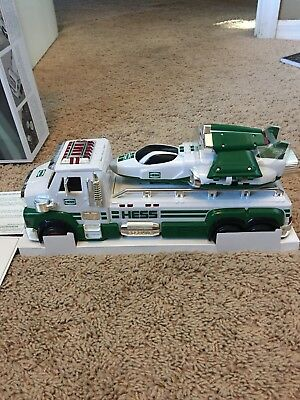 HESS 2014 Toy Truck And Space Cruiser With Scout NIB