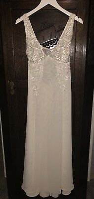 Flora Nikrooz White Lace Gown Full Length Long Dress Bridal Medium Robe Vintage