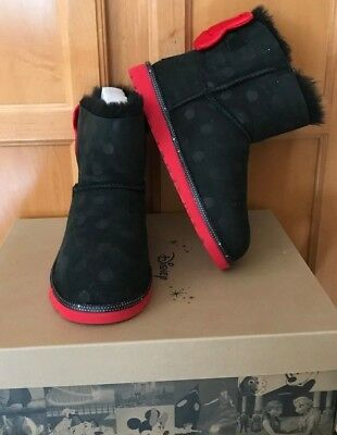 24b0c21472f NEW IN BOX UGG DISNEY FROZEN big kids sz 4 - Limited Edition Royal ...