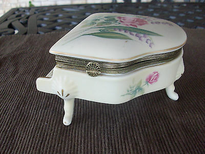 "Schmid Music  ""minnet By Mozart"" No. 293 Roses Porcelain Music Box Free Ship!"