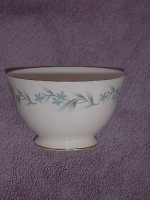 ROYAL VALE BONE CHINA BOWL; 11cm/4¼in across, 7cm/2¾in high. * NEW RETRO VINTAGE